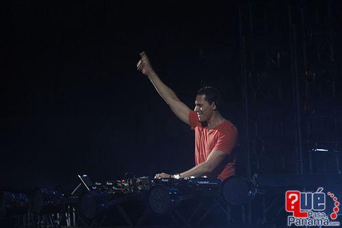 Tiësto at Figali Panama 12.10 (4)