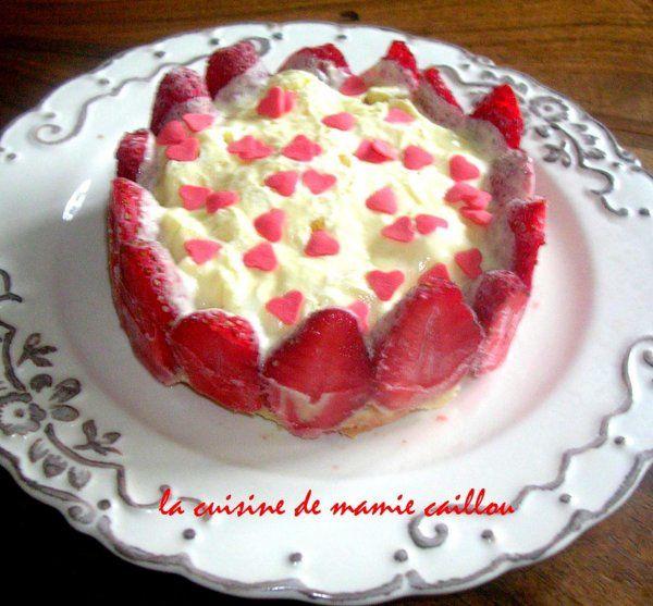 Blog de mariecaillou :LA CUISINE DE MAMIE CAILLOU, Couronne de fraises façon tiramisu
