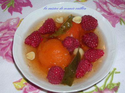 Blog de mariecaillou :LA CUISINE DE MAMIE CAILLOU, Abricots pochés au lillet