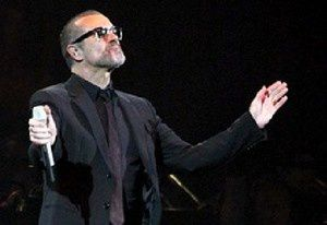 PHOTOS-George-Michael-en-concert-a-Bercy-avec-RFM_news_289x.jpg