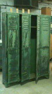 Vestiaire-rivete-4-portes-1930-175x120x30-1300---1400-.jpg