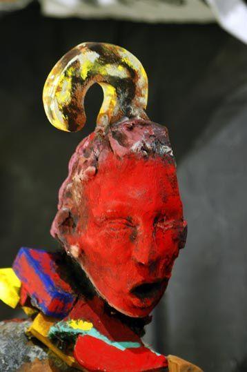 Exposition d'objets inutiles. Du 17 février au 1er mars 2005, Centre Culturel Départemental de la Martinique. Fragments d'intentions, formes lacunaires, fruits accidentels de spéculations autonomes.