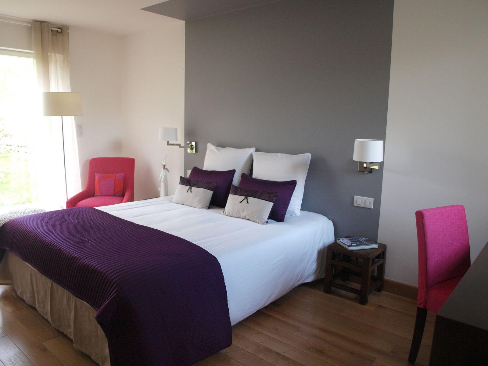 Chambre Couleur Gris Blanc une chambre = un tableau - a l'ouest - chambres d'hôtes