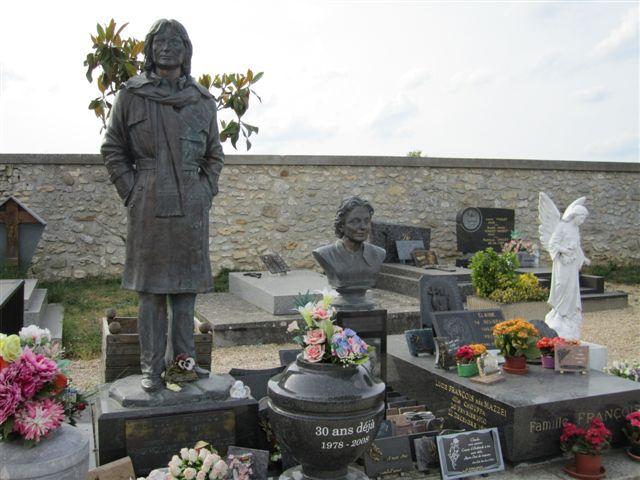 Dannemois tombe Claude François