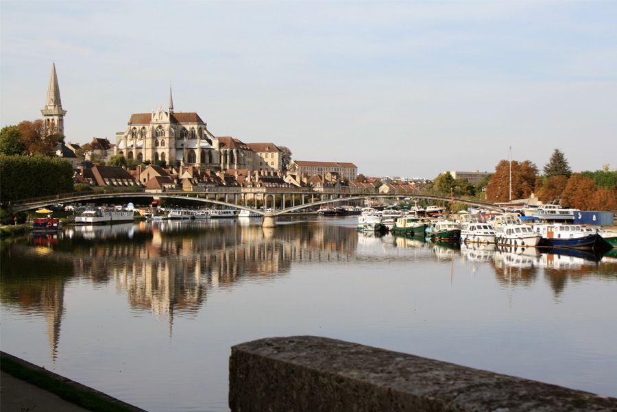 Auxerre quatrième ville de Bourgogne. Ville d'art et d'histoire ...