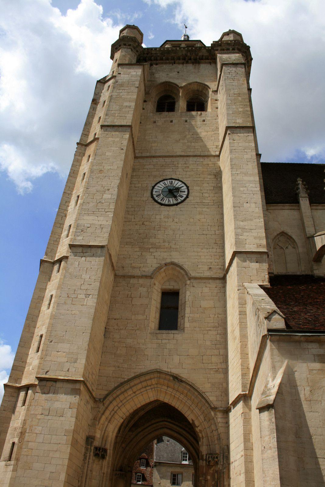 La collégiale Notre Dame de Dole.