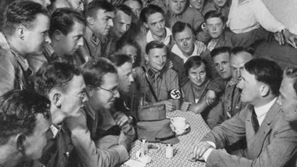 Adolf Hitler und anderen Nationalsozialisten
