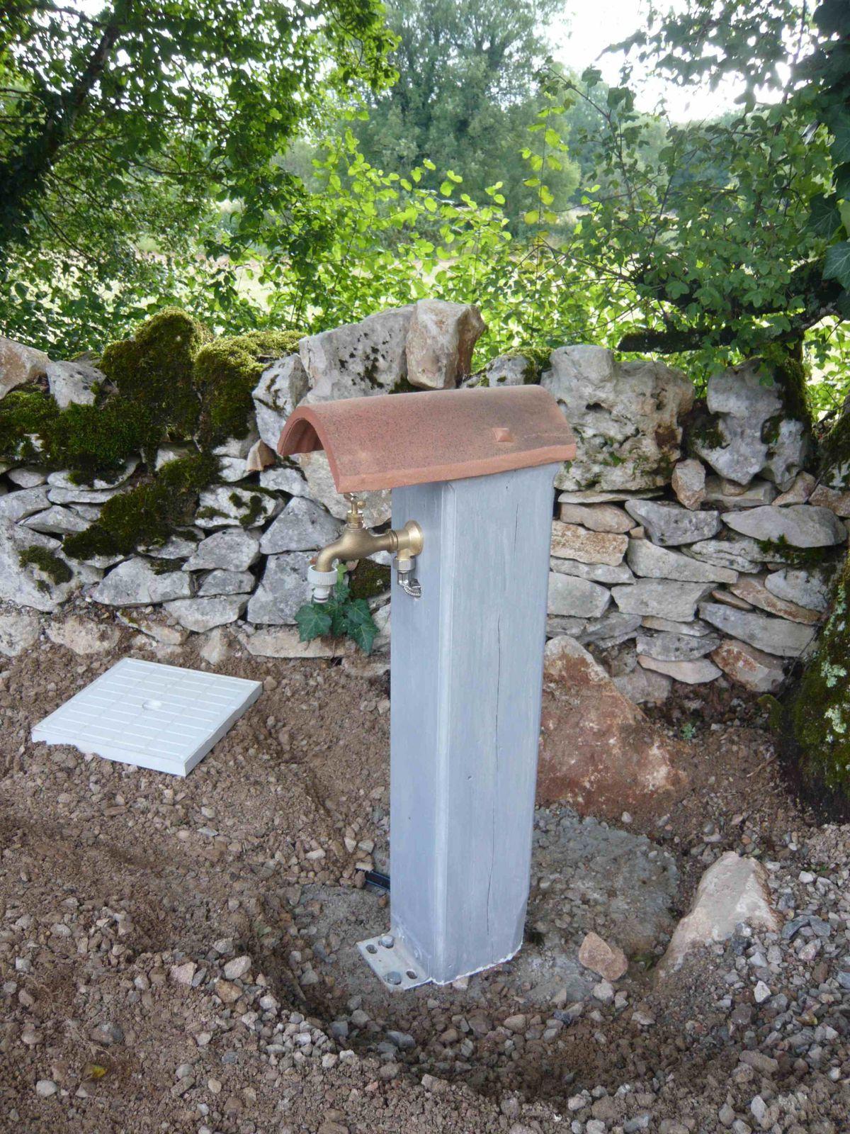 Comment Construire Une Fontaine Exterieure fontaine ou borne à eau pour l'arrosage extérieur - blog de