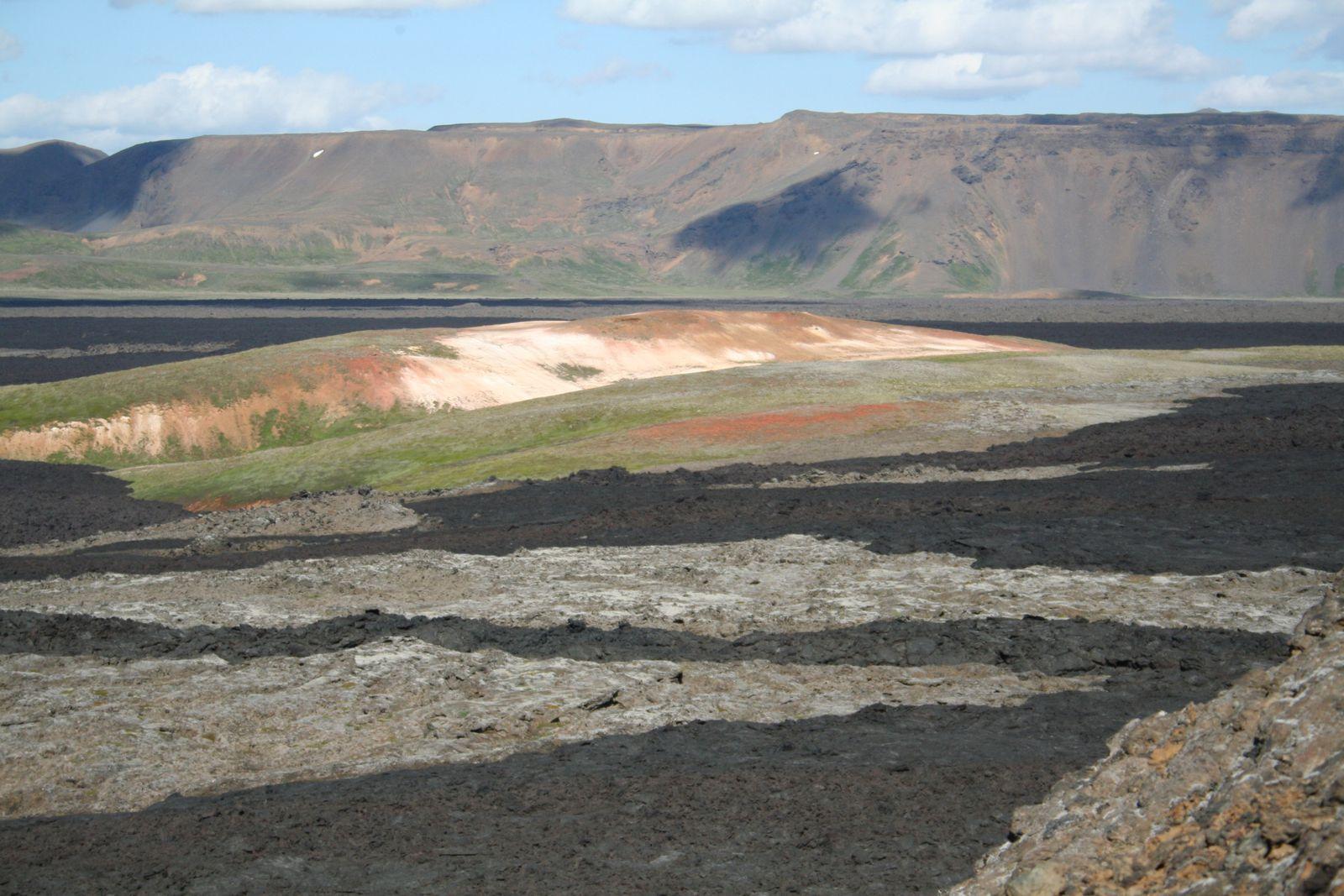 Islande... Terre exceptionnelle minérale, colorée, éruptive...