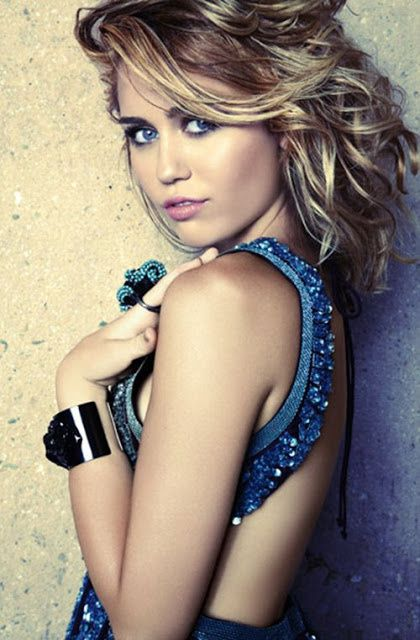 miley-cyrus-marie-claire-september-2012---7---1-.jpg