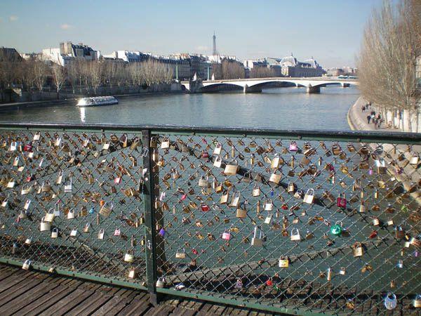 pont-des-arts-des-amoureux--6-.jpg