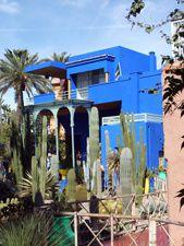 photo Marrakech---Jardin-de-Majorelle---Le-pavillon-bleu-au-maroc.jpg