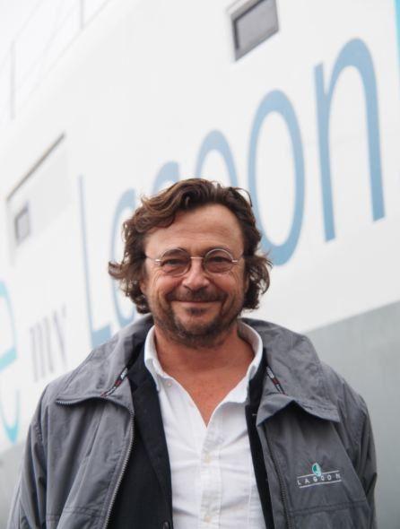 Marc-Van-Peteghem-VPLP-devant-le-Lagoon-52.JPG