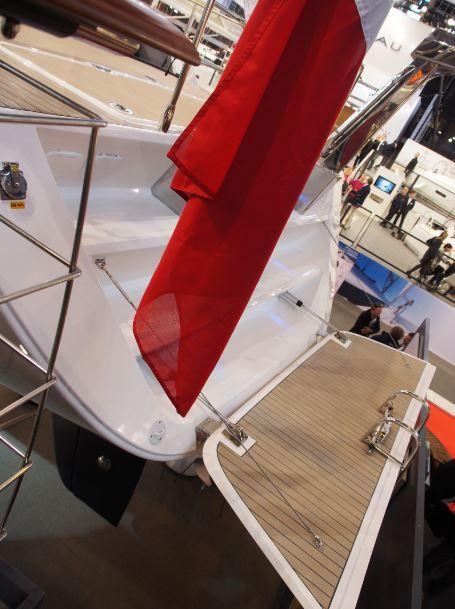 amel-55-plateforme-arriere-modifiee.JPG